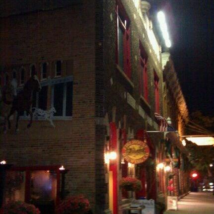 รูปภาพถ่ายที่ Firehouse Brewing Company โดย Nick U. เมื่อ 8/2/2011