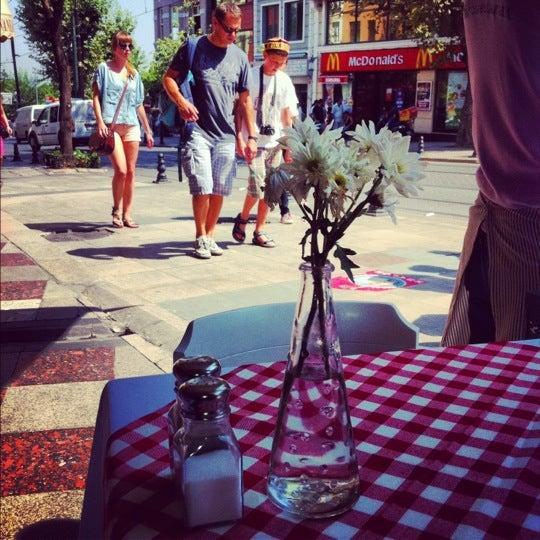 รูปภาพถ่ายที่ Faros Old City โดย ''Kıvanç D. เมื่อ 8/6/2012