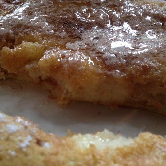 Снимок сделан в Southport Grocery & Cafe пользователем Chekmark Eats 5/27/2012