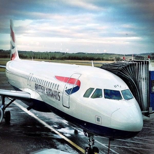 Das Foto wurde bei Edinburgh Airport (EDI) von Sam B. am 2/1/2012 aufgenommen