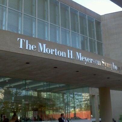 Foto tirada no(a) Morton H. Meyerson Symphony Center por Michael H. em 11/27/2011