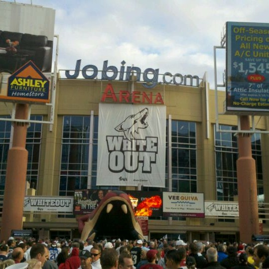 4/15/2012 tarihinde Aaron Y.ziyaretçi tarafından Gila River Arena'de çekilen fotoğraf