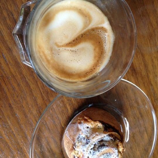 รูปภาพถ่ายที่ Zucker Bakery โดย Zucker B. เมื่อ 2/18/2012