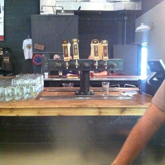 Foto diambil di Good People Brewing Company oleh Chaz M. pada 9/28/2011