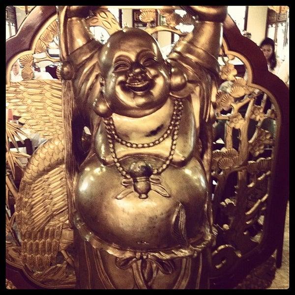 Снимок сделан в Golden Plaza Chinese Restaurant пользователем Ivan V. 7/24/2012