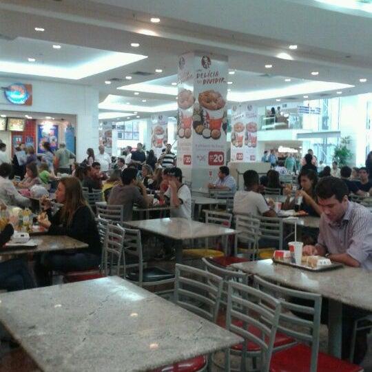 11/4/2011 tarihinde Raquel L.ziyaretçi tarafından Shopping Tijuca'de çekilen fotoğraf