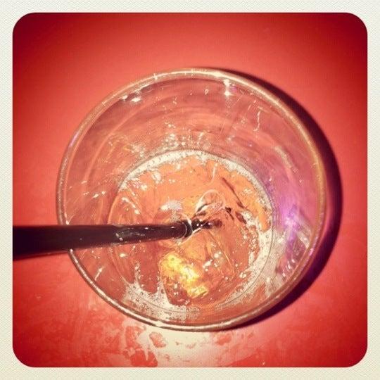 Foto tomada en Raven Lounge por John N. el 10/9/2011