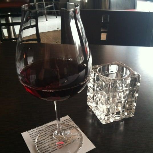 Das Foto wurde bei Hotel Rose von Jeri B. am 2/17/2012 aufgenommen