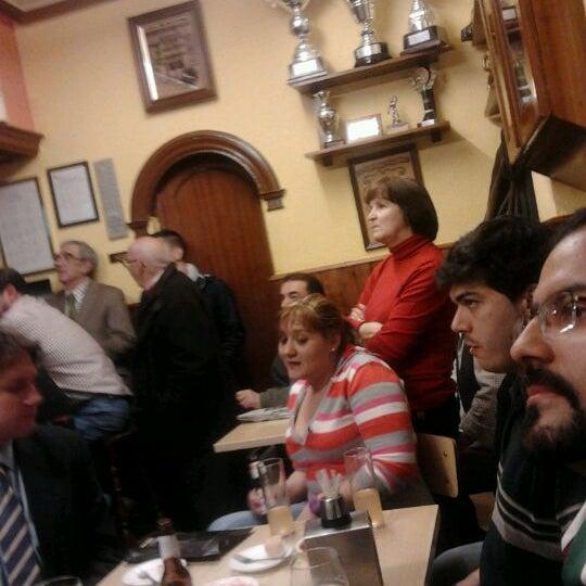 รูปภาพถ่ายที่ Bar Los Charritos โดย Roberta D. เมื่อ 1/25/2012