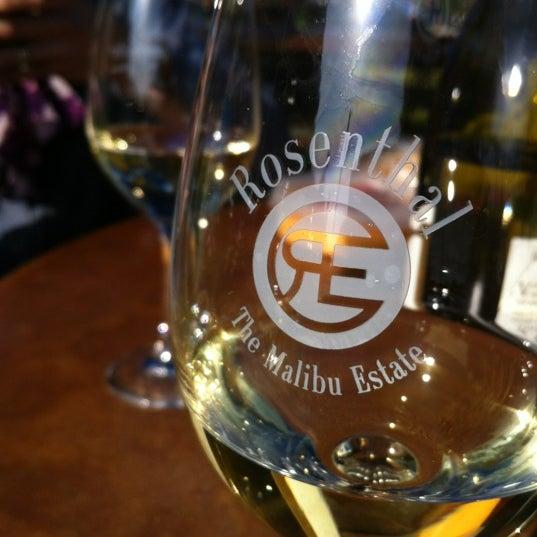 Photo prise au Rosenthal Wine Bar & Patio par Michael P. le2/25/2012