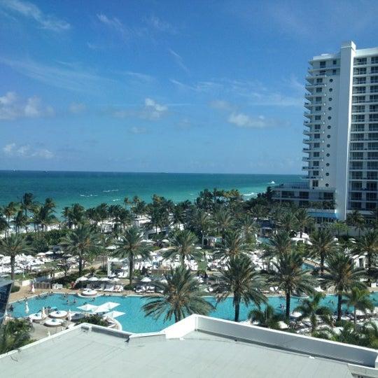 Photo prise au Fontainebleau Miami Beach par laurent b. le6/11/2012