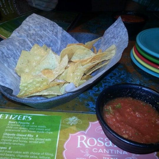 Photo prise au Rosalita's Cantina par Jimmy B. le7/23/2012