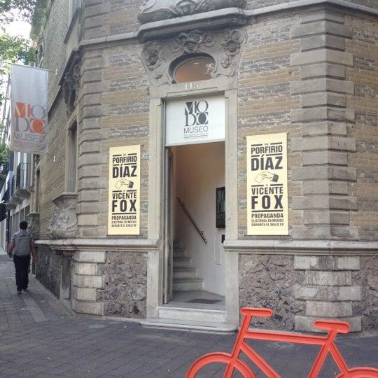 Das Foto wurde bei MODO Museo del Objeto del Objeto von Cecy H. am 5/18/2012 aufgenommen