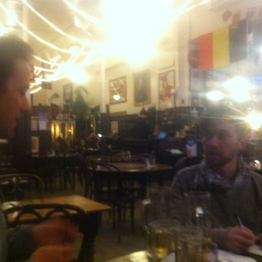 3/26/2012にMika G.がJacob Wirth Restaurantで撮った写真