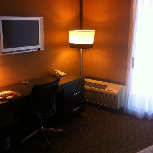 Foto scattata a Hotel Angeleno da sponge b. il 7/12/2011