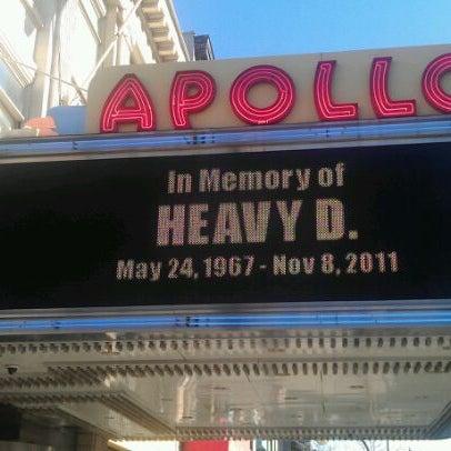 11/25/2011 tarihinde jazziyaretçi tarafından Apollo Theater'de çekilen fotoğraf