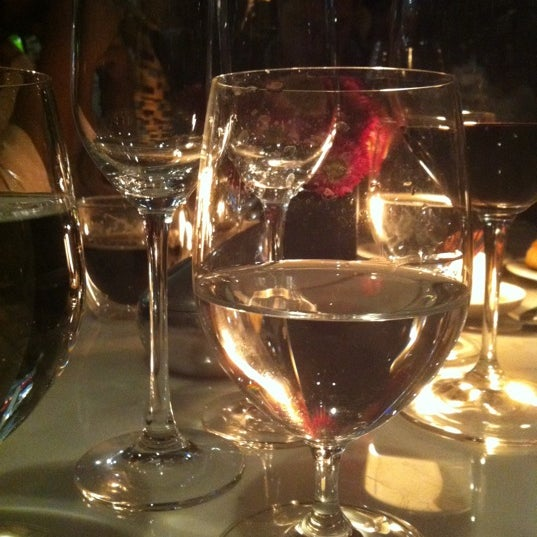 รูปภาพถ่ายที่ Jaso Restaurant โดย Manuel R. เมื่อ 12/8/2011