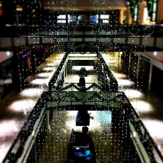 12/17/2011 tarihinde Dianaziyaretçi tarafından Tysons Corner Center'de çekilen fotoğraf