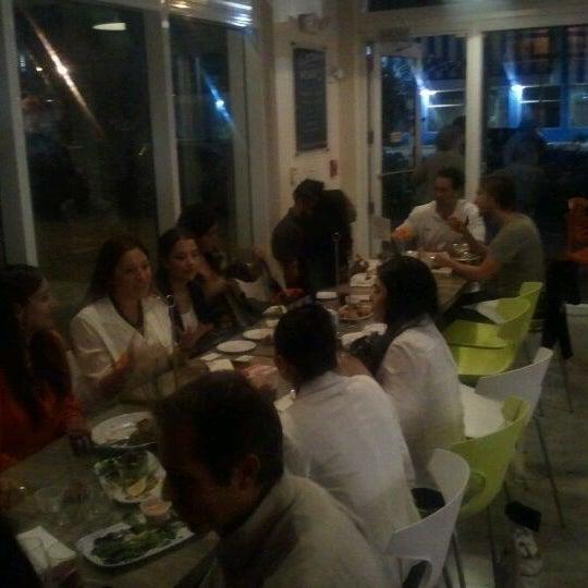 Das Foto wurde bei Jimmy'Z Kitchen Wynwood von annette p. am 2/16/2012 aufgenommen