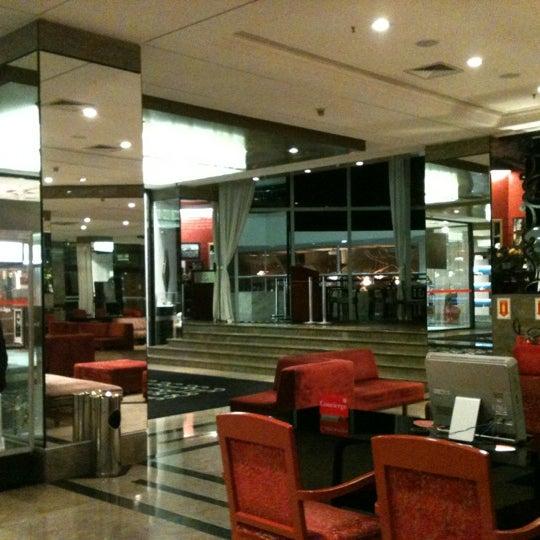 Foto scattata a Sheraton São Paulo WTC Hotel da Ju A. il 4/18/2012
