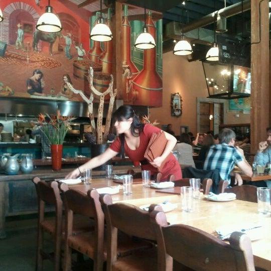 Foto scattata a TRES da Sam Y. il 5/10/2012