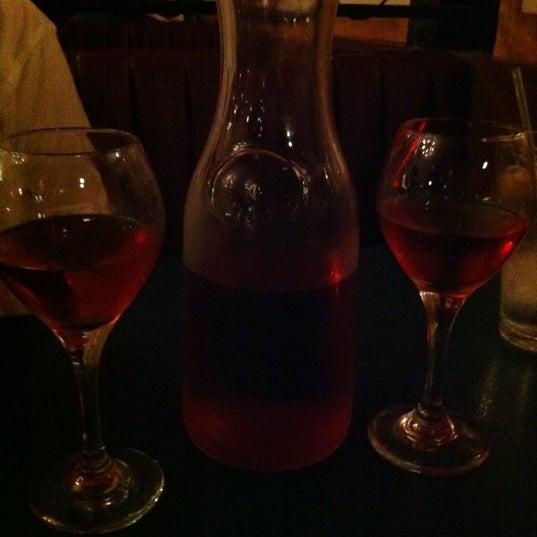 Das Foto wurde bei Mona Lisa Italian Restaurant von Lissa C. am 7/14/2012 aufgenommen