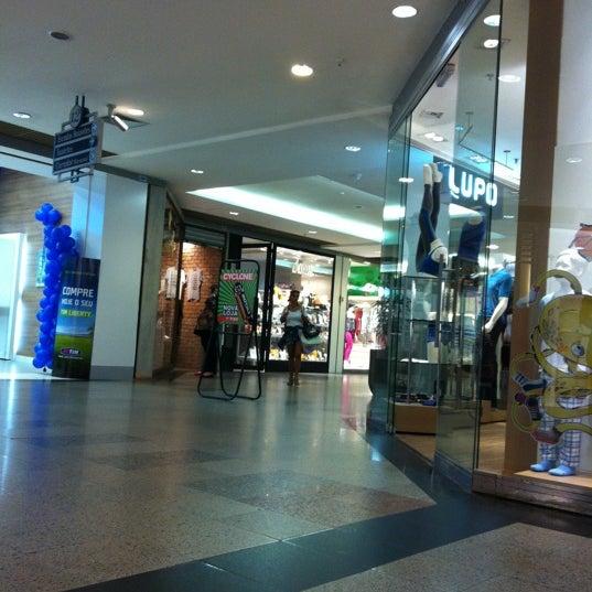 9/1/2012 tarihinde Niltonziyaretçi tarafından Shopping Tijuca'de çekilen fotoğraf