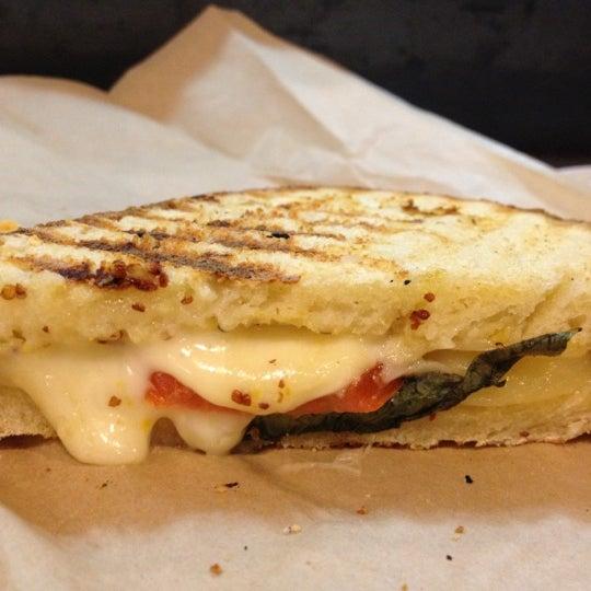 Foto tomada en Beecher's Handmade Cheese por Shandi K. el 4/4/2012