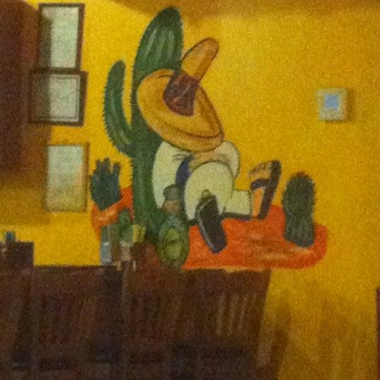 รูปภาพถ่ายที่ Picante's Mexican Grill โดย jonathan b. เมื่อ 4/2/2012