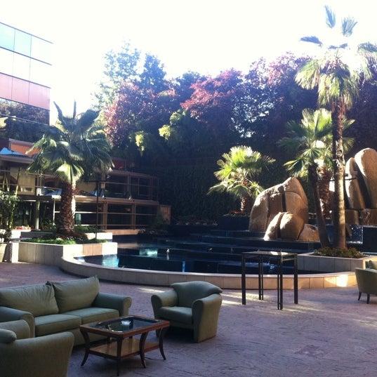 รูปภาพถ่ายที่ Courtyard by Marriott Santiago Las Condes โดย Alejandro V. เมื่อ 3/27/2012