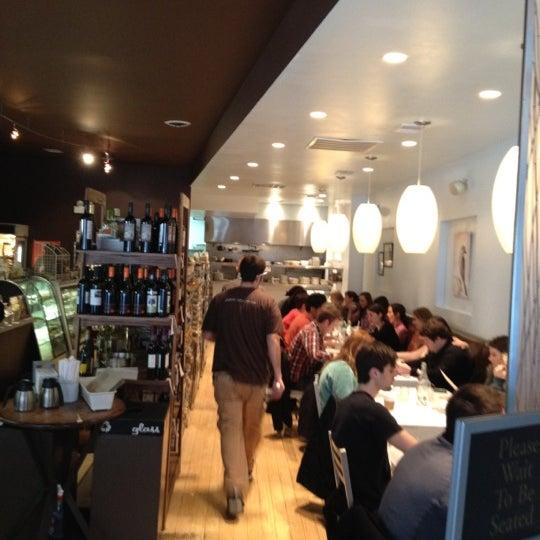 Снимок сделан в Southport Grocery & Cafe пользователем Ryan A. 3/4/2012