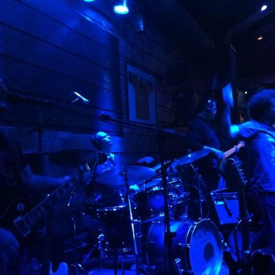 Foto diambil di Kia Ora Pub oleh Quel N. pada 7/26/2012