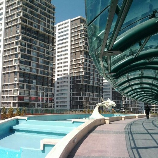 4/3/2012 tarihinde Altan K.ziyaretçi tarafından Atlantis Alışveriş ve Eğlence Merkezi'de çekilen fotoğraf