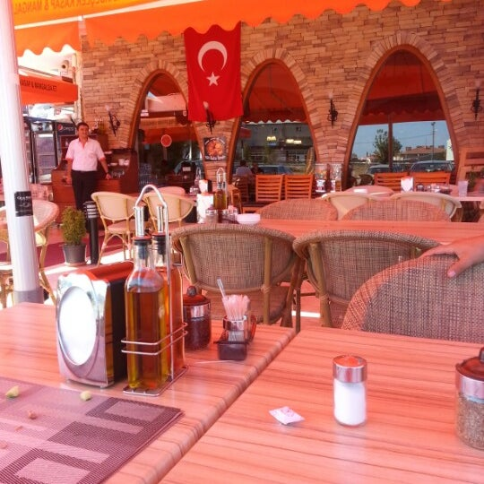 8/22/2012にHaluk B.がİki Kardeşler Kasap & Mangalda Etで撮った写真