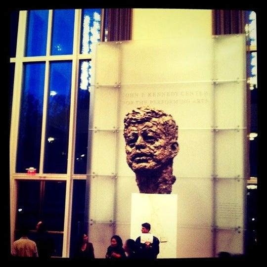 Снимок сделан в The John F. Kennedy Center for the Performing Arts пользователем Rebecca 9/21/2011