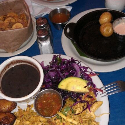 Das Foto wurde bei Bogota Latin Bistro von Jessica M. am 9/2/2011 aufgenommen