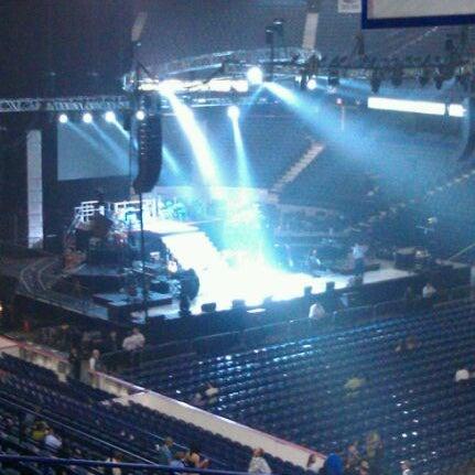 รูปภาพถ่ายที่ Allstate Arena โดย Larry S. เมื่อ 9/11/2011