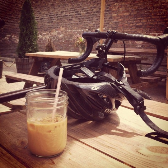 รูปภาพถ่ายที่ Heritage Bicycles โดย Dana K. เมื่อ 6/26/2012