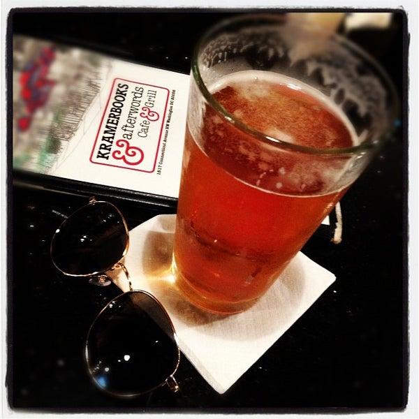 Photo prise au Kramerbooks & Afterwords Cafe par Christopher G. le6/28/2012