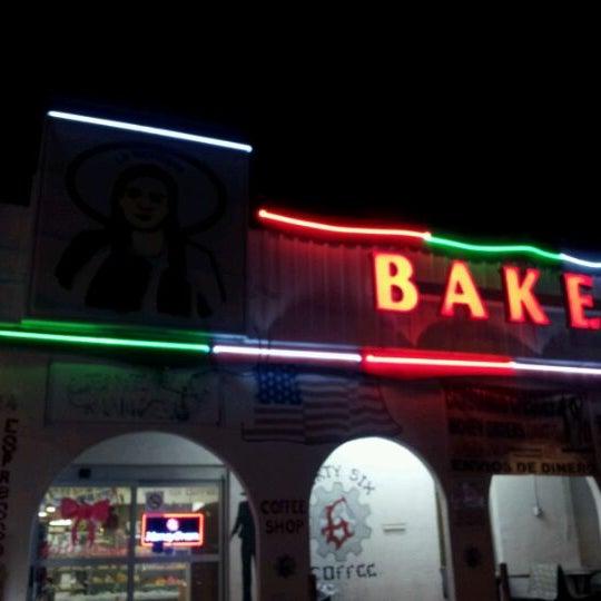 Снимок сделан в La Mexicana Bakery пользователем Arjahany J. 12/4/2011