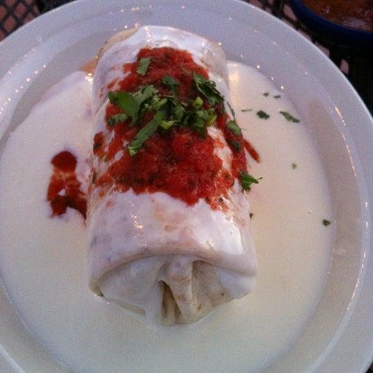 Foto scattata a Twisted Taco da Brittney F. il 6/28/2012