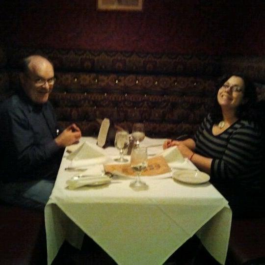 Foto tomada en Hurley's Saloon por Jeanine C. el 2/18/2012