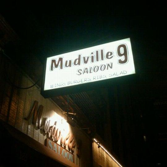 Photo prise au Mudville Restaurant & Tap House par Randy S. le1/9/2011