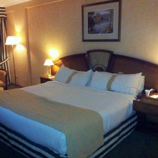 รูปภาพถ่ายที่ InterTower Hotel โดย Francisco M. เมื่อ 5/25/2012