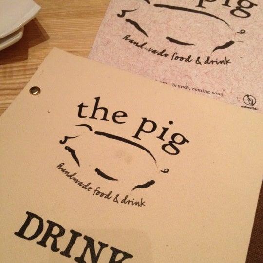 Foto tirada no(a) The Pig por DOY D. em 5/25/2012