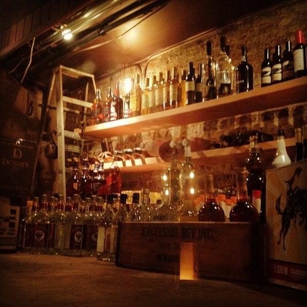 Foto diambil di Two Door Tavern oleh Chris P. pada 11/16/2011