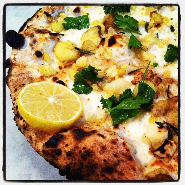 Photo prise au Pizzeria Libretto par Mark B. le11/1/2011