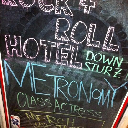Foto tomada en Rock & Roll Hotel por Ghislain L. el 10/23/2011