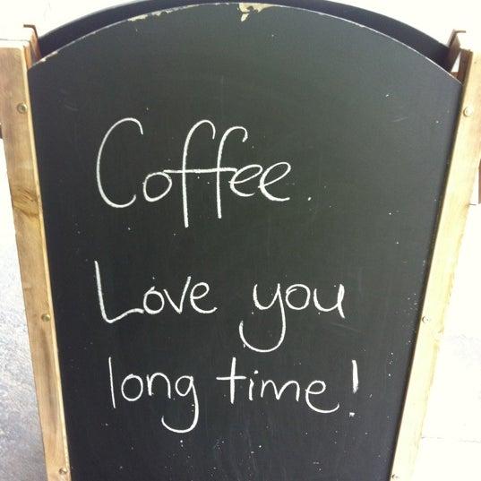 5/10/2012 tarihinde Caroline S.ziyaretçi tarafından Kaffeine'de çekilen fotoğraf