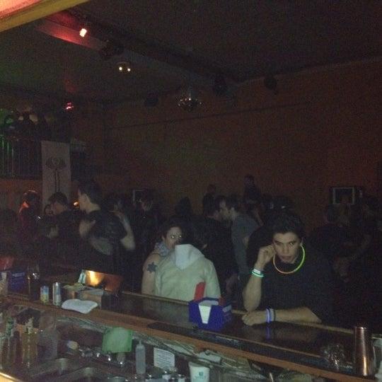 รูปภาพถ่ายที่ Das Bunker โดย R.M. W. เมื่อ 1/14/2012